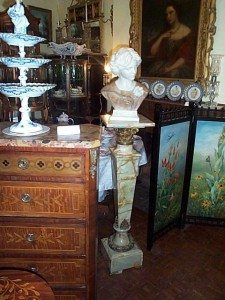 Picture of Elegant Findings Antiques